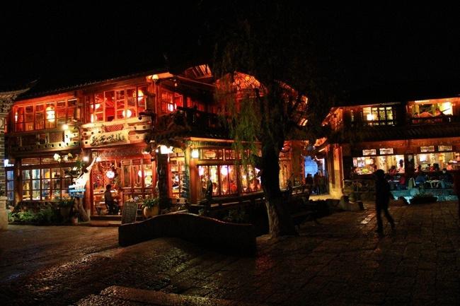 丽江古城夜色图片