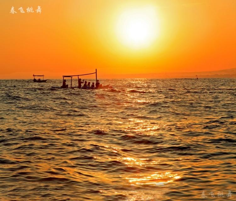 [原创】巴厘岛印象 之一 与海豚和太阳之吻 (图22张) - 春飞桃舞 - 春