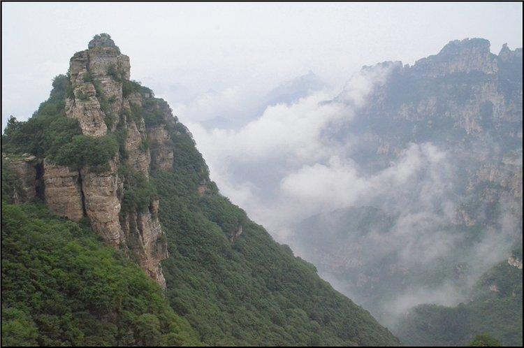 【白石山验客】赏十瀑峡怪石碧潭观白石山云雾峰林