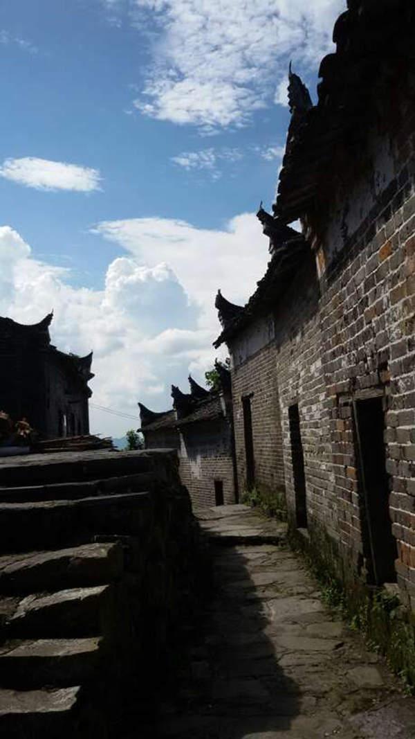 跨越两省的古城古寨之风