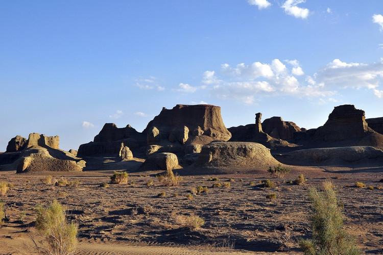 小狮车走新疆 之十一 —— 红山大峽谷和魔鬼城外(精河—乌尔禾)