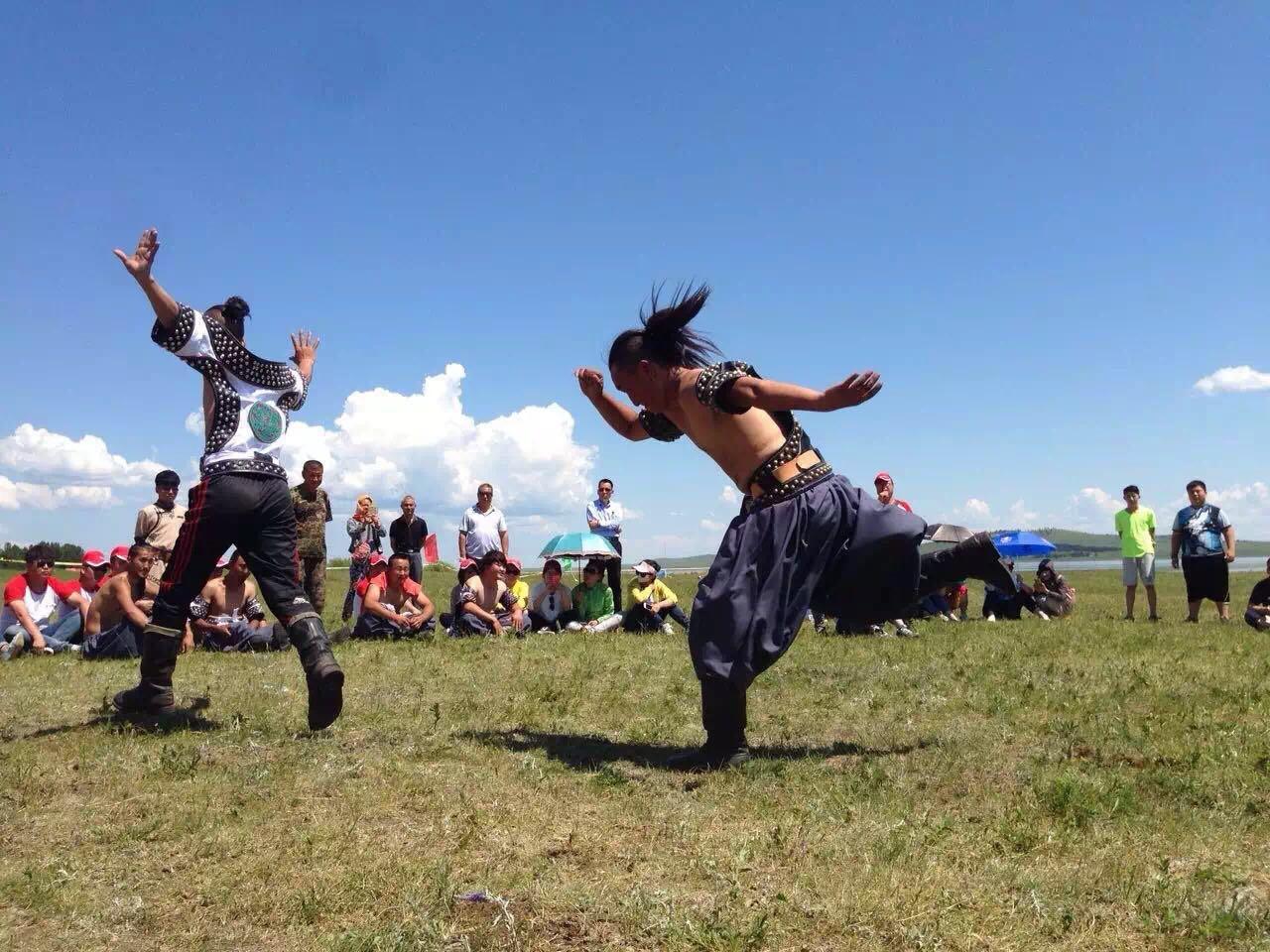 蒙古族赛马,摔跤