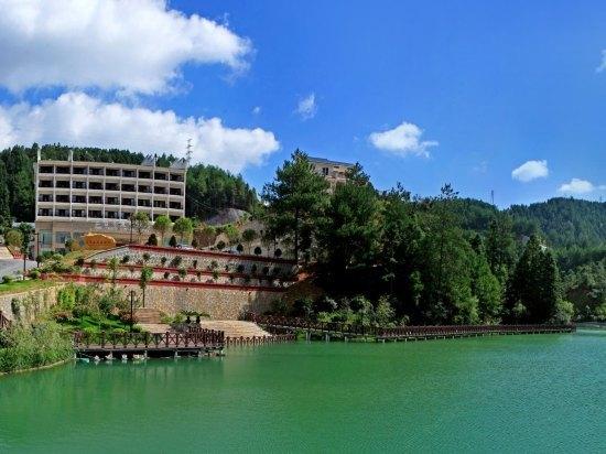 桂东三台山度假酒店