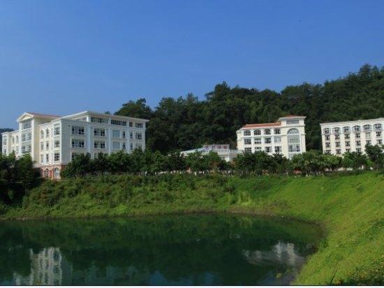赣州上犹陡水湖的度假村在哪多少钱有什么好玩的