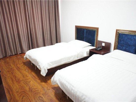 桓仁晨熙商务酒店
