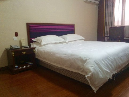 怡莱酒店(扬州大学荷花池店)