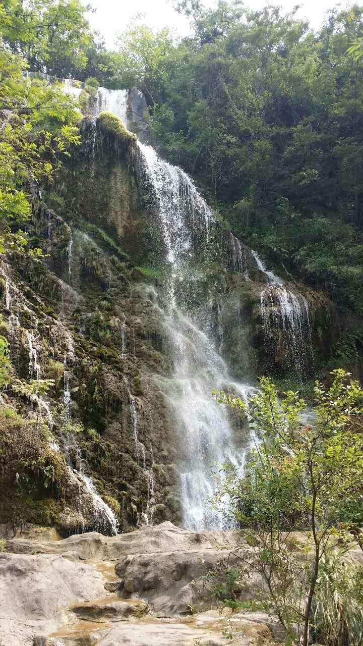 壁纸 风景 旅游 瀑布 山水 桌面 720_1280 竖版 竖屏 手机