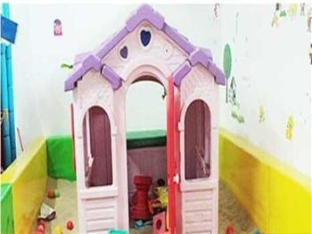 小淘气儿童游乐园