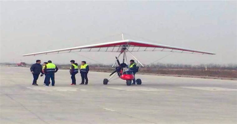 武汉神鹰飞行俱乐部是专门从事微型飞机飞行体验服务