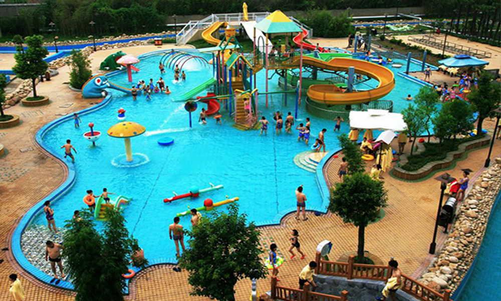 游玩景点云门山水上乐园 全园引进了众多顶尖级水上游乐设备,有大图片