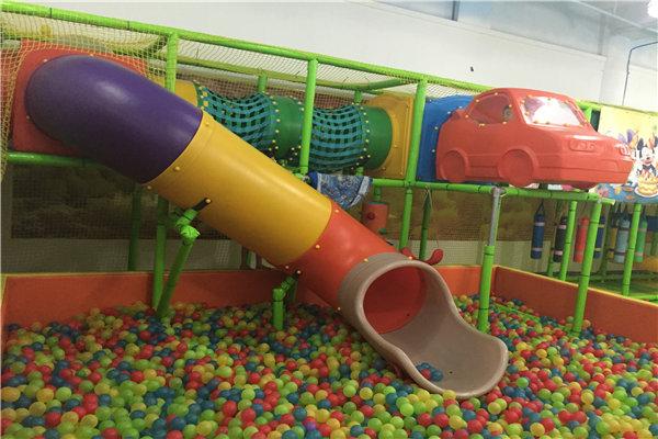 彩虹桥儿童乐园是一座新型的