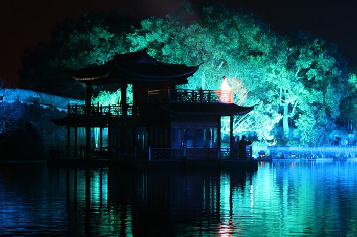 单房b(不含票)西湖,雷峰塔,野生动物园,灵隐(飞来峰)多景点自选,住