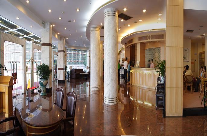 飞机票等商旅服务;颇具东南亚特色的泰皇宫中餐厅