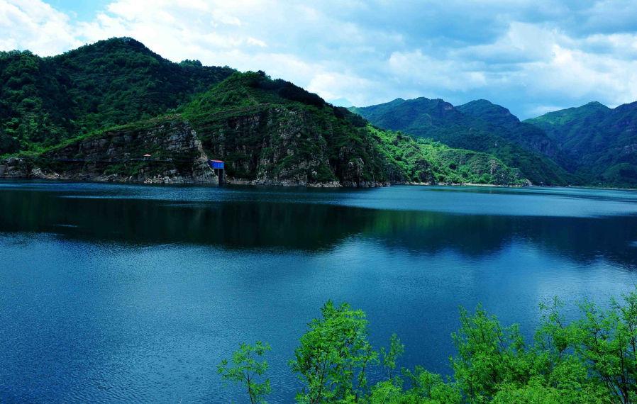 京东石林峡风景区位于平谷县黄松峪乡(黄松峪乡北为国家级森林公园).