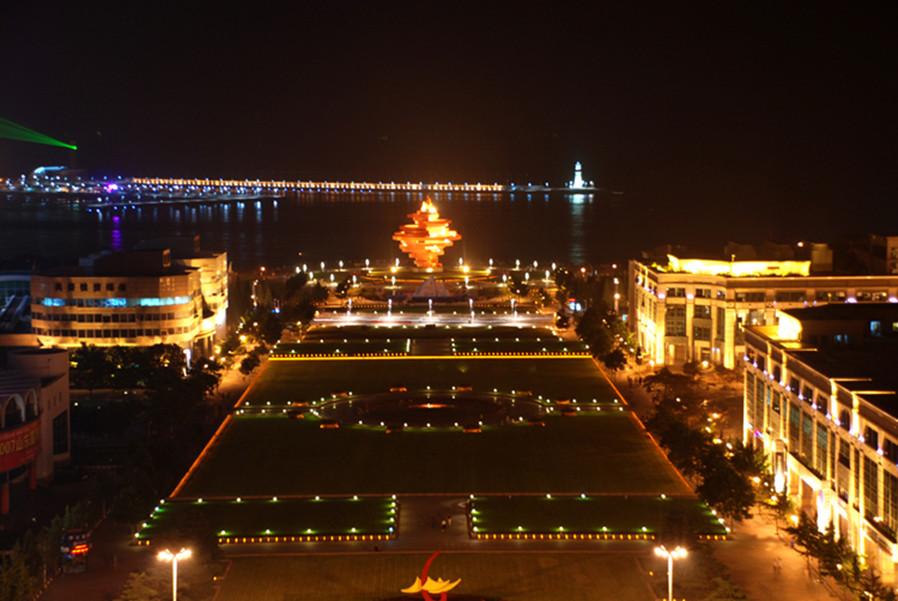 酒店介绍 青岛丽晶大酒店 青岛丽晶大酒店位于新市区中心,地处青岛市