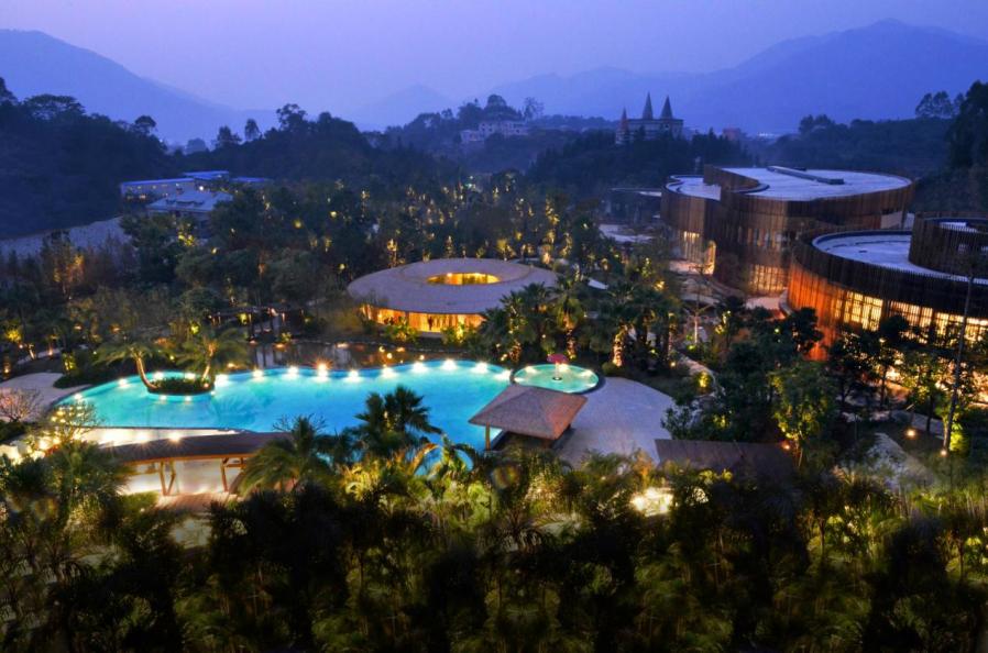 住长泰县半月山温泉酒店,泡半月山温泉,享受暖暖冬季游