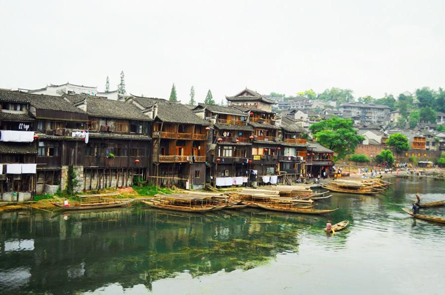 湖南凤凰居民木结构建筑设计