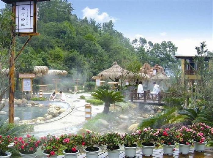 【10元度周末】【春节预售】泡青岛即墨新空间温泉,三十余个大小各异