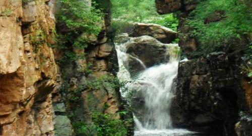 【石龙峡风景区 同程特惠热卖】石龙峡,峰林峡谷雄险,潭瀑溪水长流