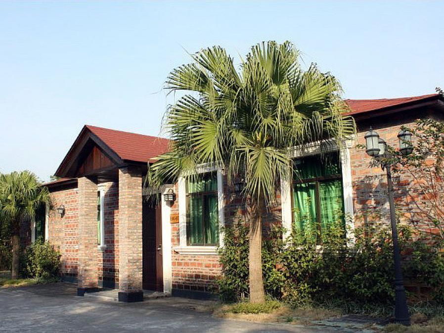 自驾约需0分钟 可选景点: 金水台太阳岛水上乐园 广州南部位于鹤山