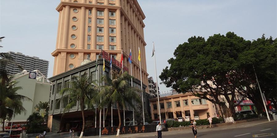 三亚夏威夷大酒店采用典雅欧式建筑风格