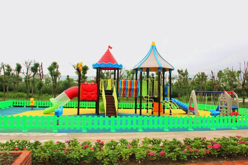 烧烤场,儿童乐园,国际标准足球运动场,垂钓中心,小型动物园,家禽小